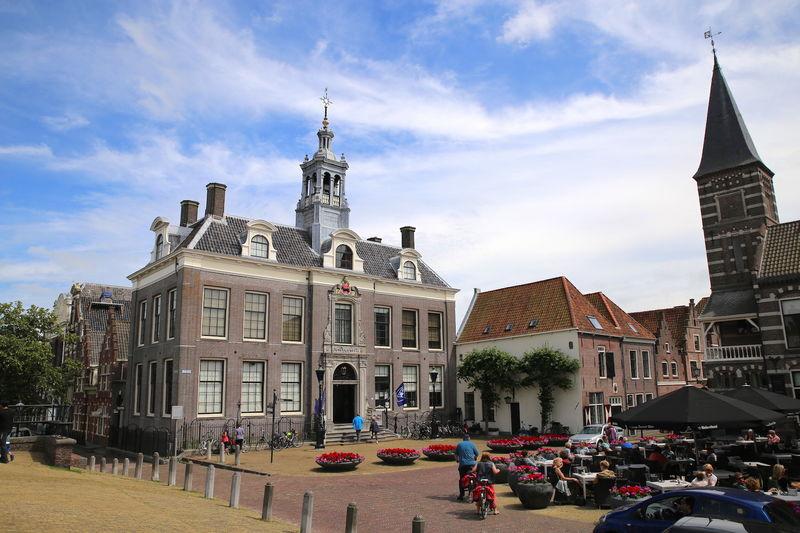 Hollandia Virágküldés helyi virágárusok segítségével Amszterdam fővárosban és városban.